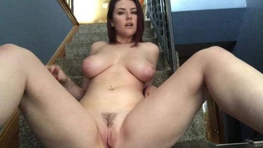 Love her hang tits…yummy 😋