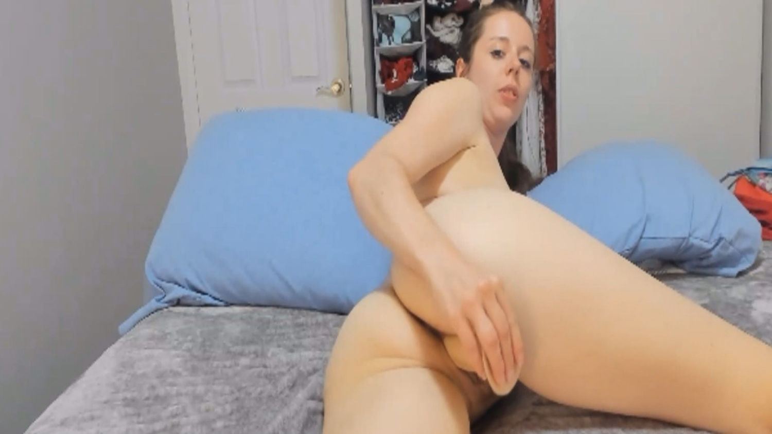 Sexy Babe Finger Fucked Her Pussy Till She Gets Wet
