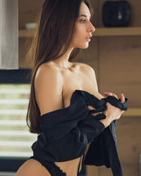 Gorgeous and hot sizzling South Extension Escorts ready for you