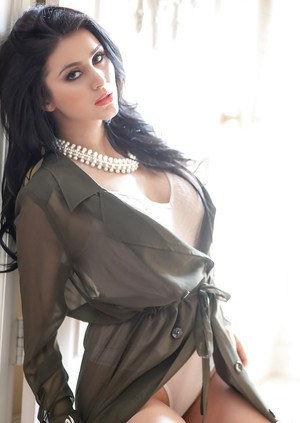 pune escorts  reshma khan