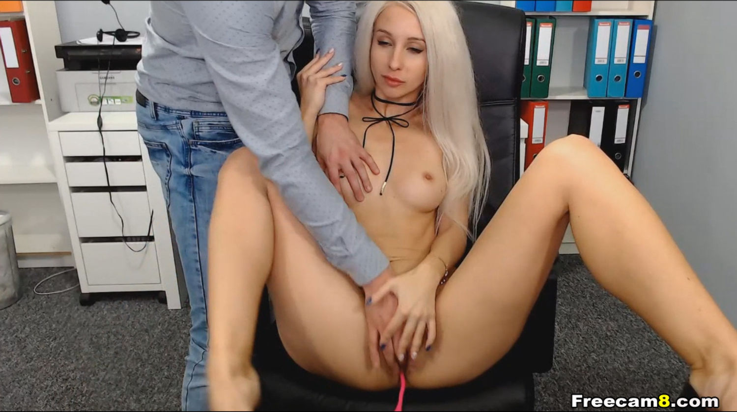Sexy Blonde Gets a Hot Pussy Play From Lover