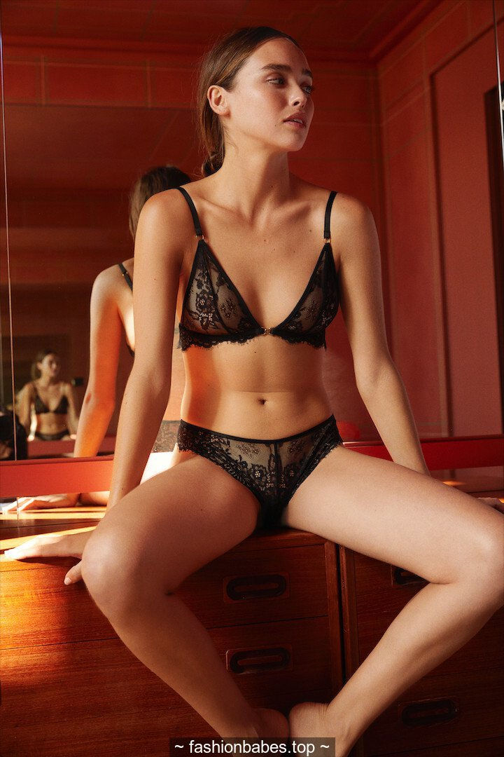Carolina Sanchez sexy for Icone Lingerie 2019