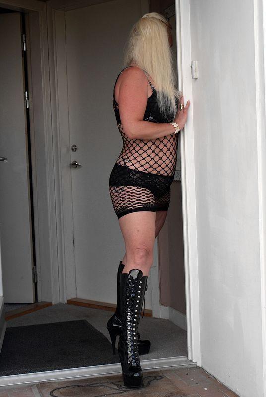 46-latka, fanka seksu analnego zaprasza na spotkania