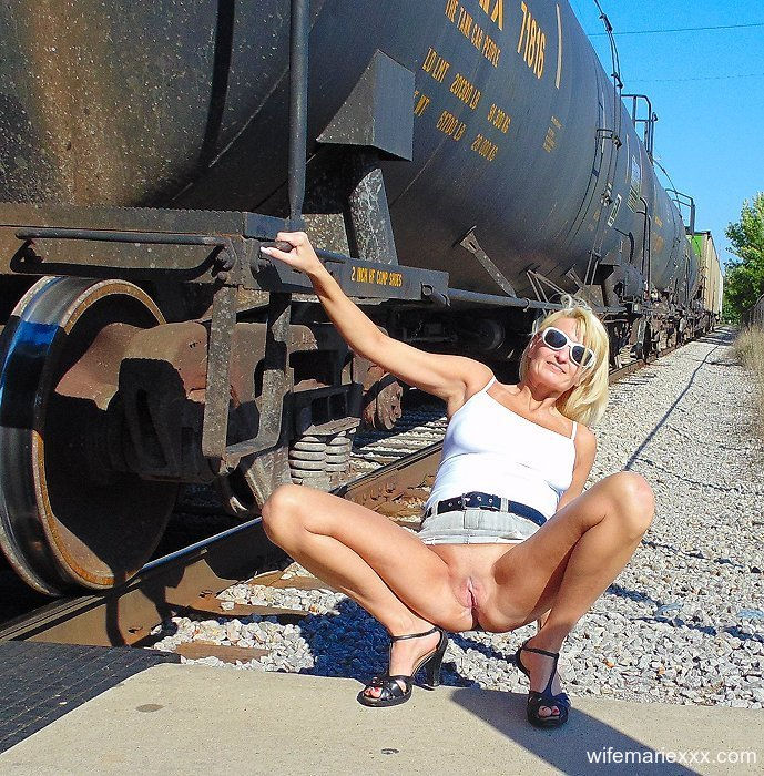 Marie Wadsworthy public pantyless upskirt showing shaved mature pussy