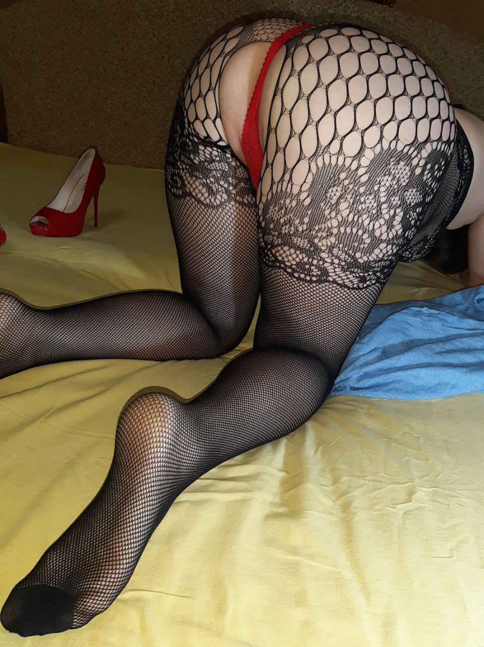 Non nude Crazy Milfa mature Chaturbate livesex cam model big ass in lace fishnet pantyhose and s ...