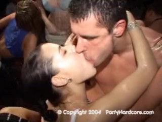 Party Hardcore – Pornhub.com