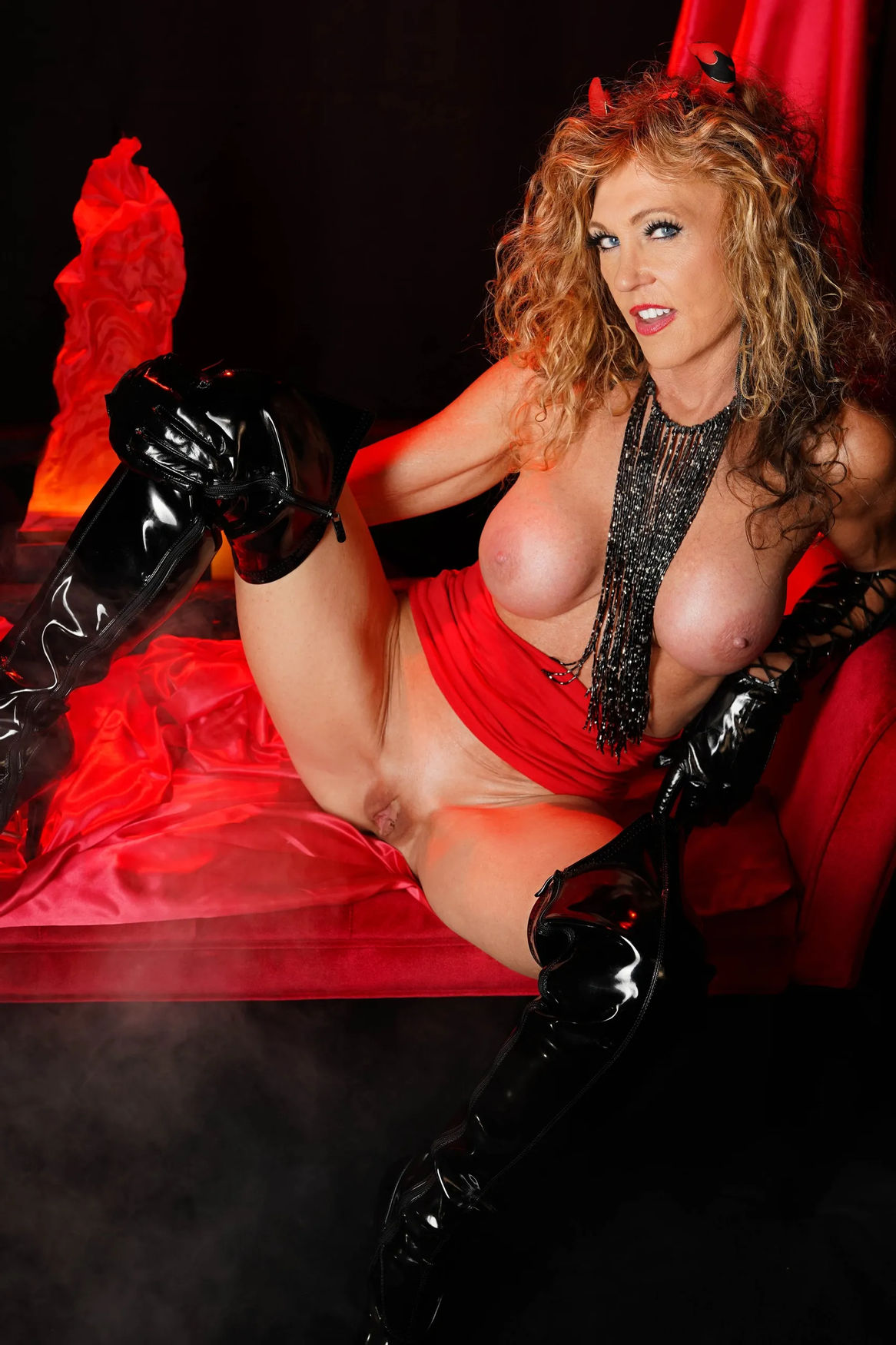 Xtasygirl big tits and shaved pussy with chubby cameltoe in red lingeries and black latex thighs ...