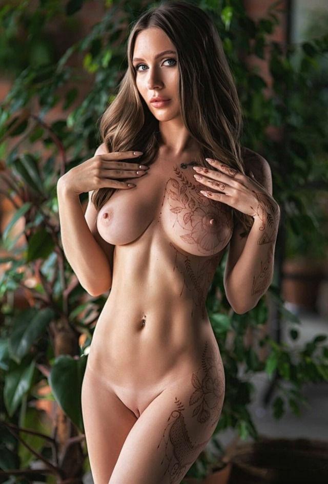 All natural beauty… Eva Lunichkina