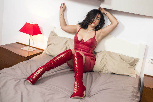 amalya30 Medussaa69 mature glamour model in red shiny leather dress and boot