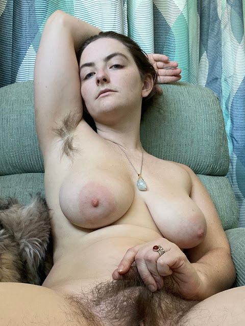 Amateur fetish sex model and pornstar Strega Hannah bushy pussy and armpit and big natural boobs