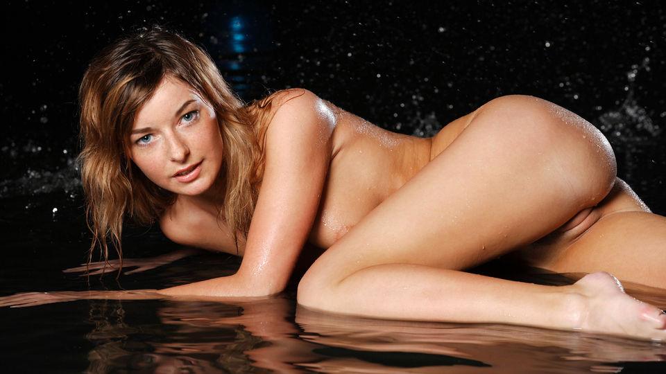 Teen pornstar Ekaterina D long legs, hot ass and sexy cameltoe in Stunning 18 sex collection