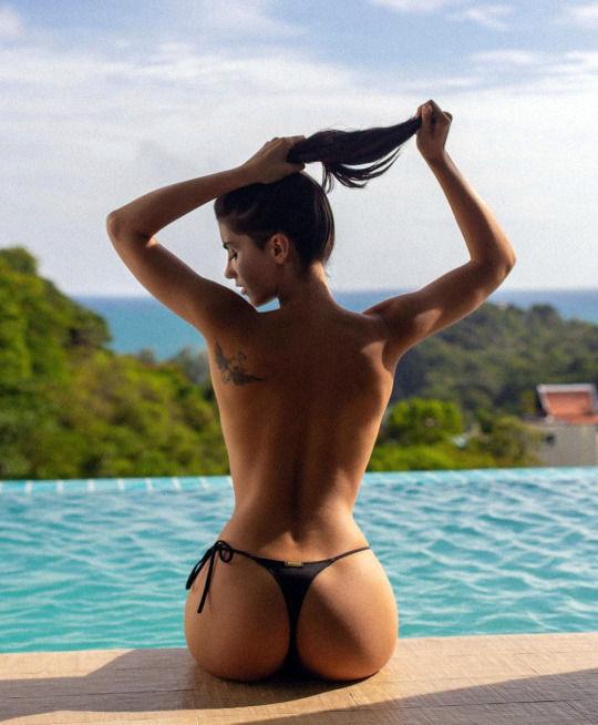 The soft sexiness of Irina Dreyt