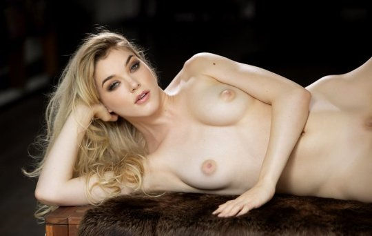 All natural beauty… Anny Aurora