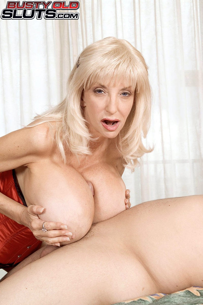 Blonde mature granny pornstar Dee Dee Deluxx fucks with big boobs in a free Busty old sluts sex  ...