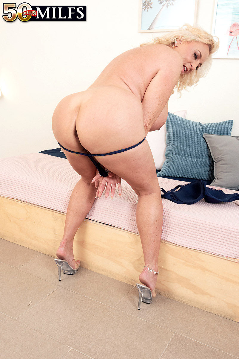 Busty blonde 50 plus milfs granny pornstar Charli Adams big ass and boobs in Pornmegaload sex video