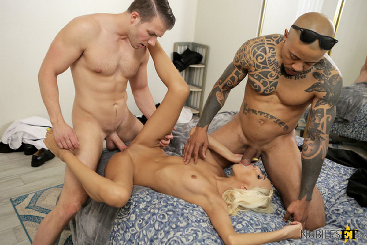 Redhead College Teen Threesome