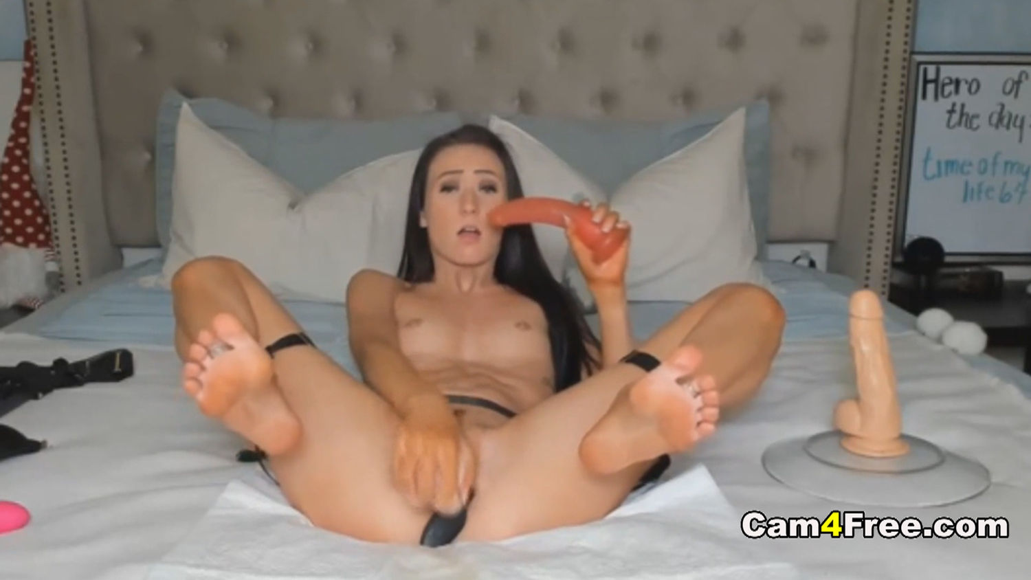 Skinny Chick in an Intense Masturbation