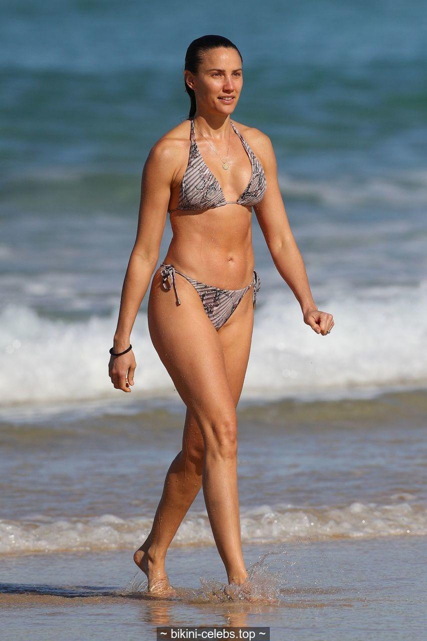 Rachael Finch wearing bikini on Bondi Beach