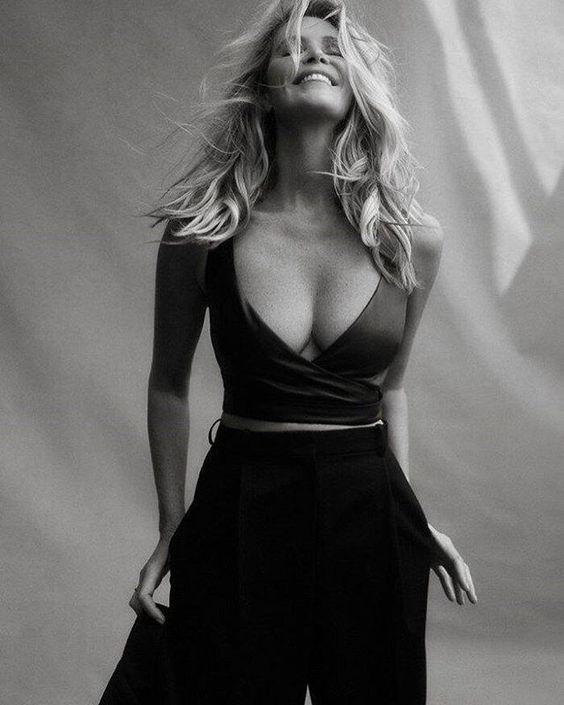 Name: Elle MacPherson, Profession: Supermodel, Ethnicity: Caucasian, Nationality: Australia, Pla ...