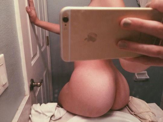 Nice thick eatable ass😘