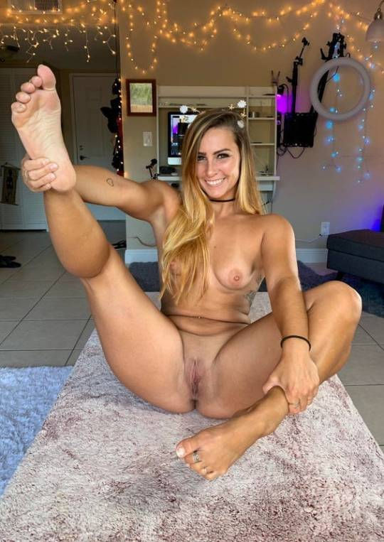 Yes, my sweet, that foot looks delicious…😜🤪